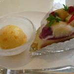 コットンバニー - 桃のケーキ