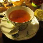 coffee shop KAKO  - 紅茶は、ヌワラエリア