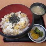 道の駅 針テラス ノースリリィ フードコート - 大和肉鶏の親子丼 750円