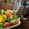 グリル チンチン - 料理写真:日替りのサラダは色々入ってて嬉しい。