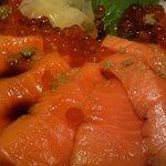 テング酒場 - 海鮮親子丼のアップ