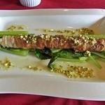 リューバンカフェ - シェフ自慢のお肉料理(神奈川県産湘南豚のアスパラ巻き)