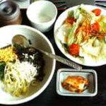焼肉 慶松苑 - ビビンバとチョレギサラダ