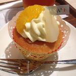 モスカフェ - フルーツカスタードのカップケーキ
