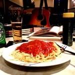 ベンズカフェ - 哀愁あるミートソーススパゲティ