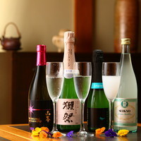 話題のスパークリング日本酒で乾杯!キリッとした味わいと香りを