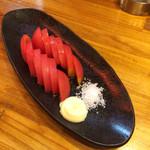 くし家串猿 - 冷やしトマト(380円)