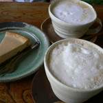 パン ド ムシャムシャ&コーヒー - カフェオレチーズケーキ、カフェオレ、豆乳入りコーヒー