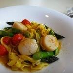 サポーリ ディ ノモト - 料理写真:帆立とアスパラのタリアテッレ、カラスミ風味
