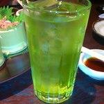 個室 日本酒バル Tokutouseki - メロンソーダみたいな緑茶ハイ(笑)