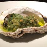 サロン・ド・シャンパーニュ ヴィオニス - 牡蠣の香草バター焼