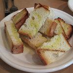イタリア食堂ディエーチ - 自家製イタリアパン 250円 (2009_9_29 撮影)
