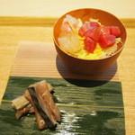 茶洒 金田中 - 散し鮨  小角鮪 鯛 錦糸 木の芽しゃり 〆鯖細引き 生姜醤油和え
