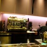 ジャン=ポール・エヴァン カーヴ・ア・ショコラ - ジャン=ポール・エヴァン イセタン フードホール ルクア イーレ店(2015.04月)