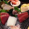 魚真 - 料理写真:お刺身盛り合わせ