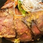 Teppan 我流 - お肉2種 合盛り重(ローストビーフ)