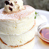 BURN SIDE ST CAFE - 料理写真:ホワイトスフレパンケーキ