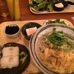 隈本総合飲食店 MAO - 季節の麺定食(¥890)※ドリンクなしは¥800→ホタテと伏見とうがらしの天とじうどん