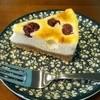 ハードボイルド珈琲 - 料理写真:アメリカンチェリーのベイクドチーズケーキ