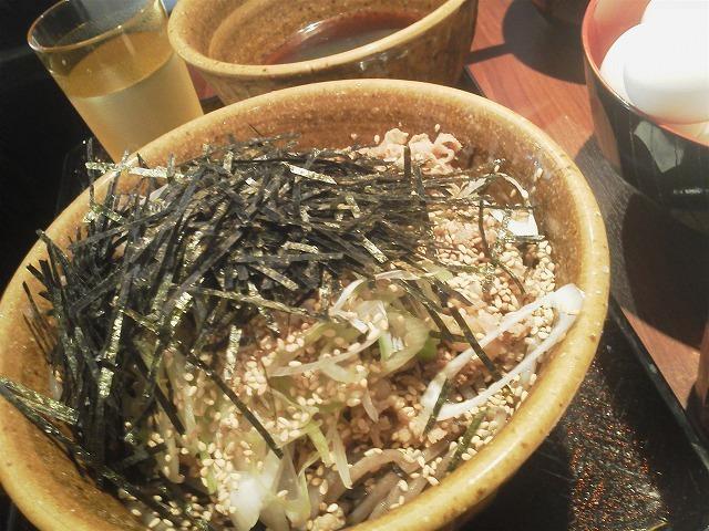 なぜ蕎麦にラー油を入れるのか。 西武新宿店