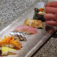 おまかせ寿司など  /  本日のおすすめ料理