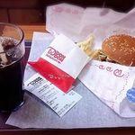 ドムドムハンバーガー - 甘辛チキンバーガーセット ランチで500円