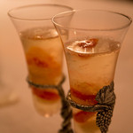 リストランテ プリマヴェーラ - 吉野葛のジュレ  ノンアルコースシャンパンを注いで