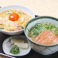 親子丼と小うどん(そば)