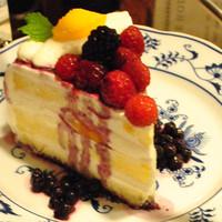 厳選素材のホームメイドケーキ