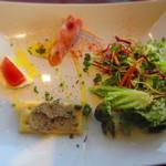 葡萄酒キッチンバルCasares - 前菜3種とサラダ