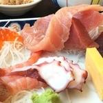 おがわ - デフォの刺身定食(1050円)アップ