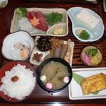きらく九兵衛 - もみじ定食1450円