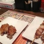 元祖美唄焼鳥 三船 - 手羽焼き、鳥精肉
