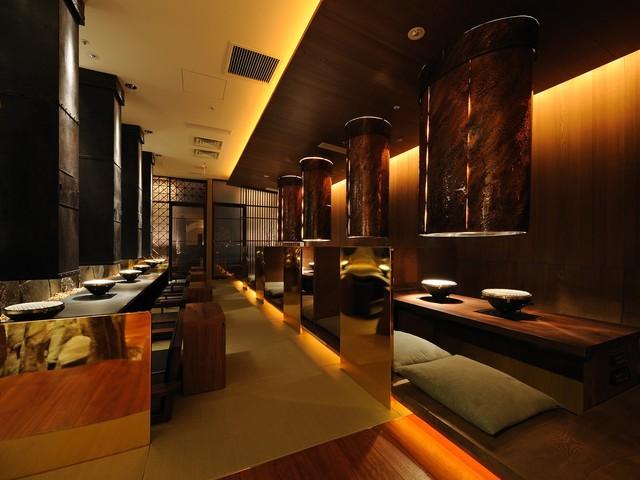 https://tabelog.ssl.k-img.com/restaurant/images/Rvw/38529/640x640_rect_38529989.jpg