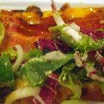 フィオーリア 新宿 アリアブル - 桜スモークベーコンと三浦半島産有機野菜のサラダピッツア