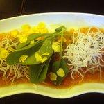 フィオーリア 新宿 アリアブル - サワラのグリル トマトとにんにくのピリ辛ソース