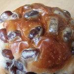 昇匠 SHOW BAKERY - 小豆のパン