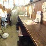 池袋駄菓子バー - 店内(カウンター席)