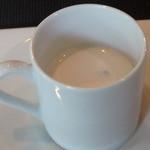 Maison de h-l'E´ridan - 白アスパラのスープ