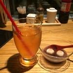 淡路島と喰らえ - 淡路びわ茶と一緒にぜんざいを食べました
