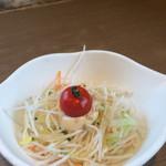 びっくりドンキー - 大根サラダ