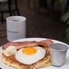 ガーデンハウス レストラン - 料理写真:バターミルクパンケーキ(ベーコン&フライドエッグ)