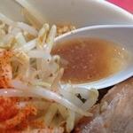 38608106 - ラーメン小(730円)スープ