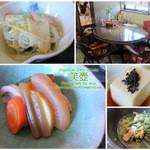 カフェ えつぼ - 小鉢は春雨の酢の物、胡麻豆腐、水菜とベーコンの卵とじ、煮物