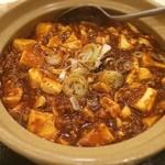 東亜飯店 - 四川麻婆豆腐定食 860円 四川かはわからないけどぼちぼちおいしいので良い