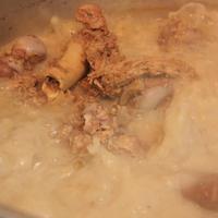 強火で10時間以上煮出したスープです!!