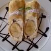 四季 - 料理写真:<フルーツヨーグルトクレープ ¥680>自家製ホイップとバナナ1本を丸ごと包んだ ボリューム満点の1皿。チョコソースと中に入っているチョコクランチが絶妙です☆