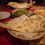 インドレストラン ガンジー   - ナン