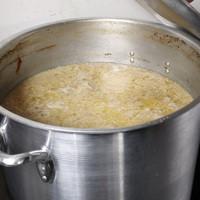 国産100%鶏使用のスープ