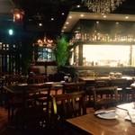 タイガー餃子会館 - 広大なスペースで開放感あり!